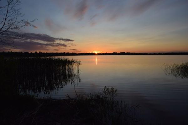 Закат над озером Никольское