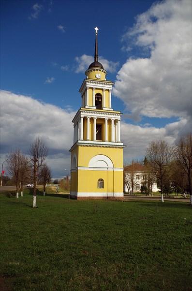 Селижарово. Колокольня церкови Петра и Павла