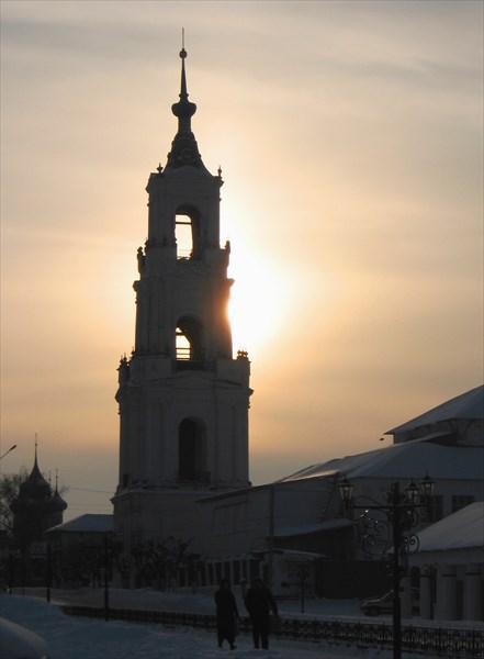 Нерехта богата храмами! Это Казанская колокольня.