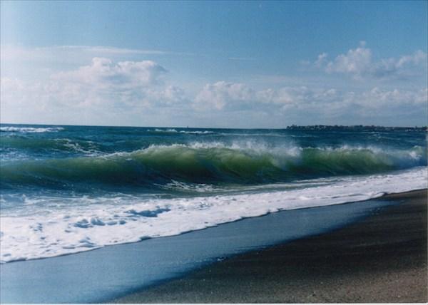Бирюзовая 9 на берегу черного моря