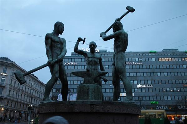 Памятник Три кузнеца
