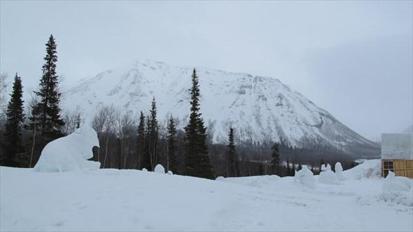 Вид от 'Снежной деревни'