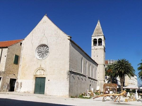 074-Трогир-набережная-церковь
