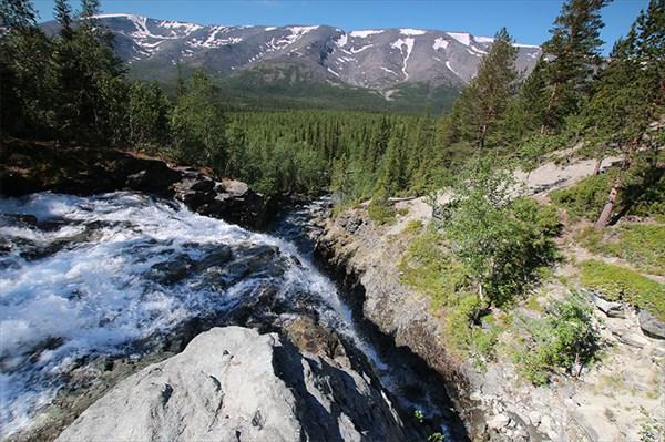 Водопад на горе Куэльпорр
