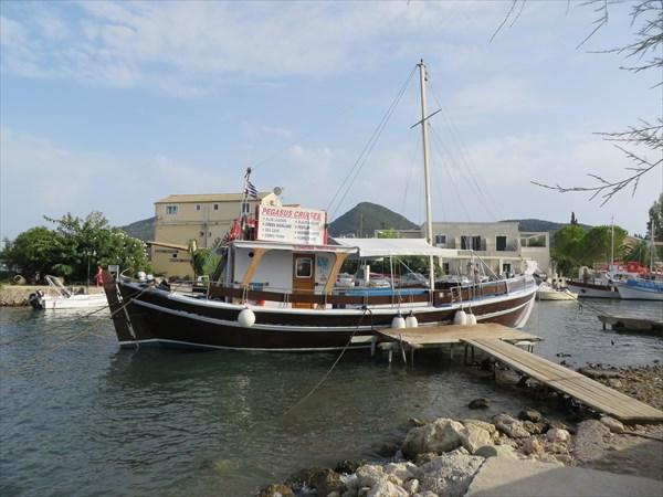 030-Кораблик