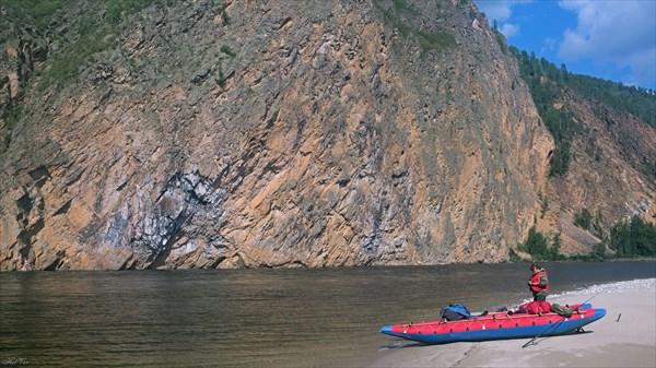 Скалы напротив Нижнего кордона