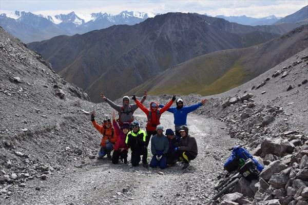 На перевале Кегеты (3782 м.)